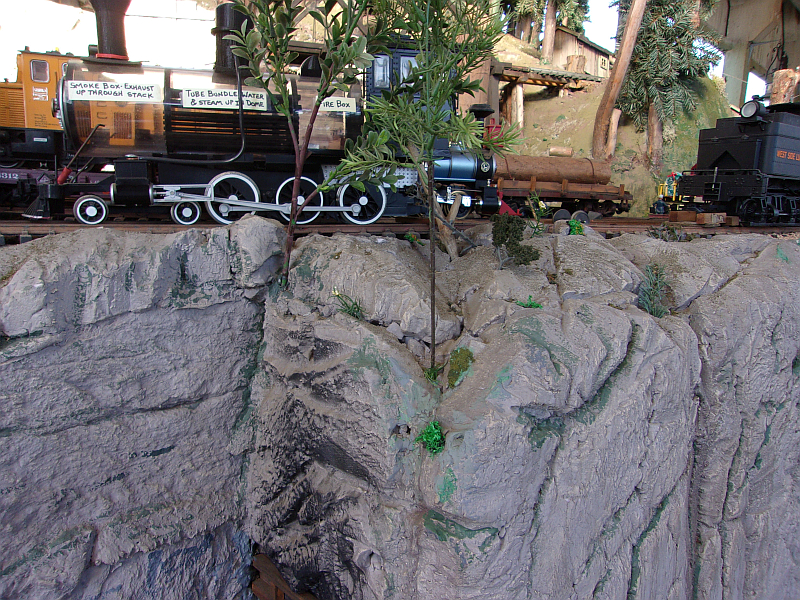 Rock face created by Basil Casabona of the Mendocino Coast Model Railrod